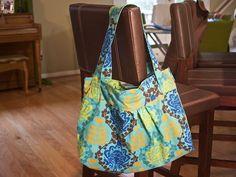Diana Hobo Bag by elizabethmariecarroll-so cute!    http://thinkliz.com/2009/02/20/diana-hobo-free-pattern/