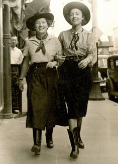 1930s cowgirls - love these ladies!