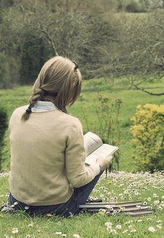 Fresh air, sunshine, and a good book.  Sim! Era tudo o que eu queria neste exato momento! 23/05/2013