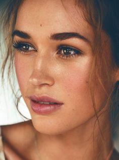 Book Makeup Artist Lisa Valencia at Carol Hayes Management #makeup #makeupartist