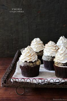 S'mores Cupcakes - Cupcake Daily Blog - Best Cupcake Recipes .. one happy bite at a time!