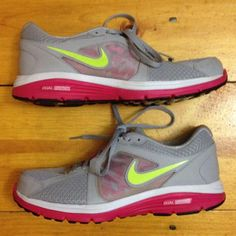Nike Dual Fusion In great condition! No major flaws. Very faint coloring on the lips- I think from lotion. Cannot be seen when worn and may come out. Nike Shoes Sneakers