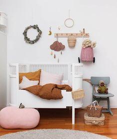 Cute little girls nursery-colors! Baby Nursery Rugs, Baby Bedroom, Nursery Room, Girl Nursery, Girl Room, Kids Bedroom, Bedroom Ideas, Diy Bebe, Nursery Inspiration