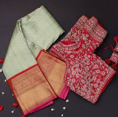 Pakistani Outfits, Indian Outfits, Indian Clothes, India Home Decor, Traditional Silk Saree, Bridal Silk Saree, Indian Bridal Fashion, Kanchipuram Saree, Bridal Blouse Designs