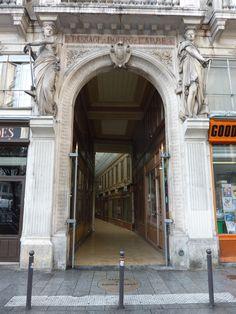 Le passage du BOURG L'ABBÉ — ou passage Bourg-l'Abbé — est un passage couvert parisien situé dans le 2e arrondissement, entre la rue Saint-Denis à l'ouest et la rue de Palestro à l'est.FRANCE , Date de création: 1828,.......SOURCE WORDPRESS.COM...................CARIATIDE....PAR LE SCULPTEUR AIME MILLET.......ENTRÉE AU 03 RUE DE PALESTRO.......
