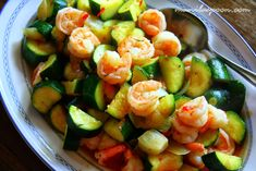Manila Spoon: Sweet and Spicy Shrimp and Zucchini Stir-Fry - only 5 minutes to make this fantastic dish! Clean Recipes, Fish Recipes, Seafood Recipes, Healthy Dinner Recipes, Recipies, Lobster Recipes, Healthy Dishes, Healthy Meals, Yummy Recipes