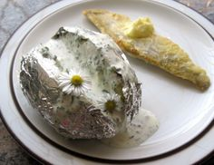 Folienkartoffeln mit Frühlingskräuterrahm - Rezept - ichkoche.at