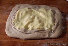Recette Kouign amann - La cuisine familiale : Un plat, Une recette Dessert Chef, Croissant Dough, Chef Blog, Muffin Tins, Spiced Apples, Something Sweet, Bakery, Spices, Cooking