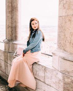 Emma la plus belle ❤ Emma Verde, Youtubers, Midi Skirt, Skirts, Outfits, Inspiration, Minion, Photos, Diy