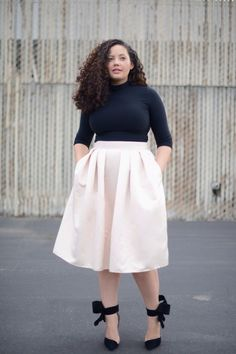 plus size high waisted skirt - GORGEOUS!!! Omg, she's stunning...and I love this outfit