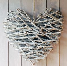 Heart made from sticks, hot glue, & spray paint for a neutral Valentine's day porch decor via Crafty So and So Diy Projects To Try, Crafts To Do, Wood Crafts, Craft Projects, Arts And Crafts, Twig Crafts, Cardboard Crafts, Flower Crafts, Cabin Crafts