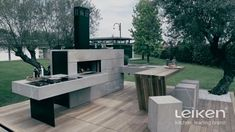 Gather your friends and family and enjoy the good weather outside. Design Barbecue, Grill Design, Patio Design, Outdoor Barbeque, Pizza Oven Outdoor, Modern Outdoor Kitchen, Backyard Kitchen, Parrilla Exterior, Backyard Fireplace