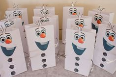 Frozen's Olaf Party Favor Bags and Snocone Cups von chicaandjo
