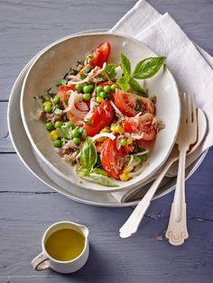 Illes leichter und leckerer Thunfisch - Tomaten - Salat, ein leckeres Rezept aus der Kategorie Raffiniert & preiswert. Bewertungen: 148. Durchschnitt: Ø 4,4.