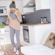 Cozy Sunday ❤️ #ootd #knit #scarf #woolpants all #pura #putiikkirannalla #beanie #nike #nikehuarche #home #kitchen