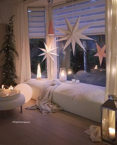 # home # winter # decoration # window # candles # lightning, … – cozy home comfy Appartement New York, Window Candles, Christmas Decorations, Holiday Decor, Cozy Christmas, Decoration Table, Bay Window, Christmas Inspiration, Cozy House