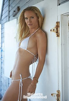 See photos of tennis player Caroline Wozniacki in this year's Sports Illustrated Swimsuit issue. Caroline was photographed in Captiva Island by photographer Walter Iooss Jr. Sports Illustrated Swimsuit 2015, Sports Illustrated Models, Caroline Wozniacki, Tennis Stars, White Lace Lingerie, Tennis Players Female, Swimsuit Edition, Si Swimsuit, Female Athletes