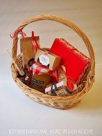 Wie versprochen gibt es heute den zweiten Teil meiner Weihnachtsgeschenke aus der Küche für euch. Ich packe immer verschiedene Körbchen zus...