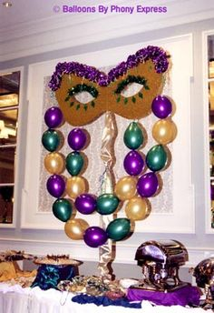 using balloons in decorating for Mardi Gras inspired party is a smart decision! you can get the festive feeling simply by combining purple, green and gold balloons! Sweet 16 Masquerade, Masquerade Theme, Masquerade Ball, Mardi Gras Float, Mardi Gras Party Theme, Mardi Grad, Mardi Gras Decorations, Helium Balloons, Gold Balloons