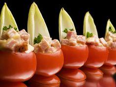 Mini-tomaatjes gevuld met brunoise van Vlaamse ovengebakken ham