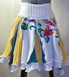 Upcycled Twirly Skirt Art of ReUse Green Is Universal Today Show… Diy Clothing, Sewing Clothes, Recycled Sweaters, Sweater Refashion, Old Sweater, Altered Couture, Altering Clothes, Diy Fashion, Fashion Design