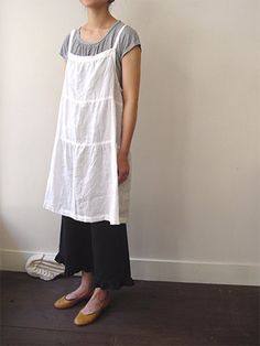 Sewing Aprons, Sewing Clothes, Dress Sewing, Diy Clothes, Japanese Apron, Linen Apron, Linnet, Japanese Patterns, Apron Dress