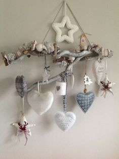 1 million+ Stunning Free Images to Use Anywhere Decoration St Valentin, Pinterest Christmas Crafts, Home Crafts, Diy And Crafts, Shabby Chic Crafts, Driftwood Crafts, Heart Crafts, Diy Garden Decor, Garden Crafts