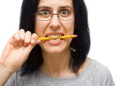El bruxismo está asociado con la ansiedad y el estrés. Es importante usar una férula dental si rechinas los dientes.#dentistaenboadilla #clinicadentalenboadilla #revisiondentalenboadilla #limpiezadentalenboadilla #saludbucalenboadilla #higieneoralenboadilla #clinicadentalinfantedonluis #dentalarroque #odontologoenboadilla #odontologiaenboadilla #sonrisaenboadilla #esteticadentalenboadilla #boadilla #boadilladelmonte #tratamientodentalenboadilla Dental Health, Dental Implants, Teeth Cleaning, Tooth Bleaching