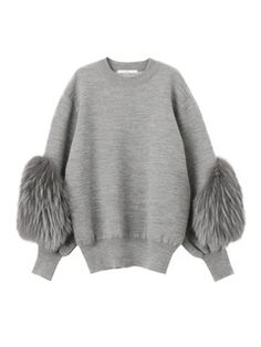 SLEEVE FUR KNIT TOP Stand out of the crowd for all the right reasons... this season it's all about statement sleeves