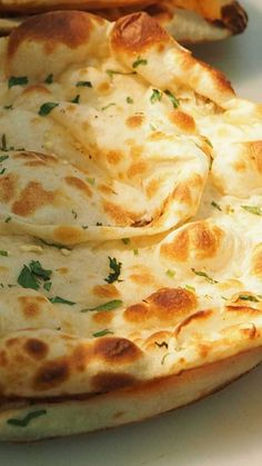 Naan glutenfrei, vegan, fluffig und weich Naan – basic recipe for the Indian flatbread. Made in the pan, it always succeeds and becomes fluffy, soft and delicious. Gluten free and vegan! Naan Sans Gluten, Pizza Sans Gluten, Gluten Free Pizza, Vegan Gluten Free, Gluten Free Recipes, Vegan Recipes, Gluten Free Biscuits, Detox Recipes, Pizza Recipes