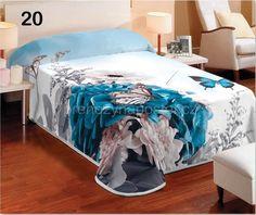 Denní bílá deka na postel s tyrkysovým květem