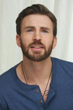 Chris Evans at the 'Captain America: The Winter Soldier' Press Conference at the Four Seasons Hotel on March 2014 in Beverly Hills City. Capitan America Chris Evans, Chris Evans Captain America, Capt America, Steve Rogers, Christopher Evans, Robert Evans, Hollywood, Marvel Actors, American Actors