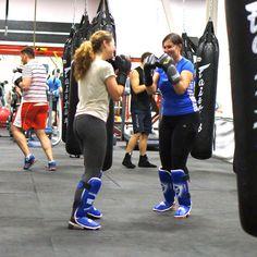 Что нужно девушкам? - Отличное настроение, идеальный внешний вид и здоровье! Все эти составляющие личной гармонии есть именно на тренировках по тайскому боксу!  Тайский бокс – это отличная кардиотренировка, которая отлично справляется с тем, чтобы согнать лишний вес, натренировать сердечную мышцу и улучшить кровообращение, так же отлично развивается реакция и координация, мышцы приходят в тонус - ноги, руки, спина, пресс, грудь приобретают подтянутый внешний вид, а значит, Вы чувствуете себя…