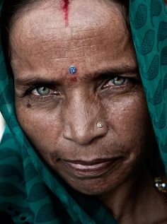 Lady with green eyes, India :: 55mm, fstop 5.6, 1\250  Oded Wagenstein is a Travel Photographer and Writer. He is a regular contributor to National Geographic Traveler magazine (Israel) and a poplar photography lecturer.