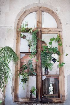 La Recyclerie © Anna  Malmberg  bohemian decoration, abandoned, plats, worn, Paris,