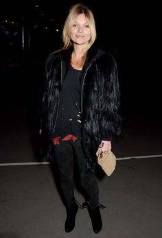 la modella mafia Kate Moss 2014 street style in fur, Balmain and Alaias