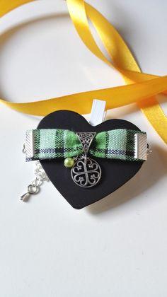 Bracelet Outlander Ecosse Noeuds celtiques tissu vert Irlande argenté féérique Jamie Claire Fraser : Bracelet par miss-perles