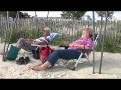 http://www.carnac-tv.fr  Reportage TV Quiberon 24/7 - 28 Septembre 2012 - Les vacanciers du mois de Septembre en majorité des retraités, des séniors trouvent le calme et la tranquilité dans la station balnéaire branchée de Carnac-plage dans le Morbihan en Bretagne sud. Les celebres menhirs de Carnac attendent sagement l'arrivée de l'hiver