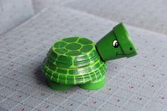 Figure de tortue en terre cuite y