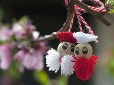 The purpose of this resource is to introduce the little-known celebration of Martisor. It takes place in Romania on March and is a time when Romanians bid farewell to Winter and welcome Spring. <br /> I hope you will enjoy learning more about this hol. Spring Crafts, Holiday Crafts, Holiday Decor, Crafts For Seniors, Crafts For Kids, Baba Marta, 8 Martie, Welcome Spring, Bracelet Tutorial