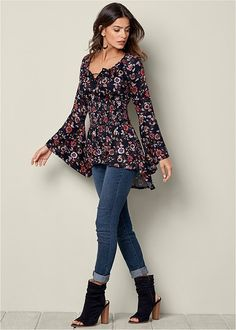 Long Sleeve Tops - Off Shoulder, Paisley Print, Surplice Hurley Clothing, Boho Outfits, Fashion Outfits, Colored Skinny Jeans, Fancy Tops, Embroidery On Clothes, Blouse Styles, Trendy Dresses, Clothing Patterns