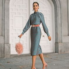 Classy Outfits, Cute Outfits, Fashion Bloggers Over 40, Modest Fashion, Fashion Dresses, Winter Wedding Outfits, Birthday Outfit For Women, Fiesta Outfit, Office Outfits Women