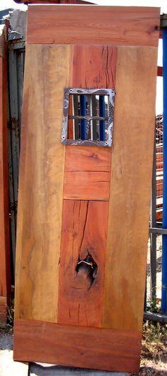 Puerta principal de roble rústico con ventana de fierro forjado de 0.80x2.00x2'' de espesor  www.facebook.com/nativoredwoodsa