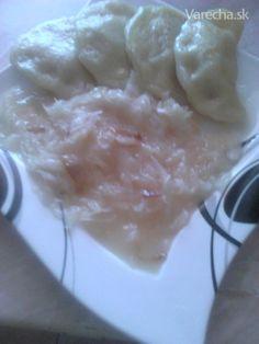 Zemiakové knedlíky plnené s údeným mäsom a s  dusenou sudovou kapustou