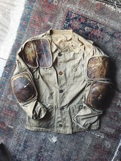 Unusual vintage shooting jacket modified with pads, patches, and pocket zipper. May have been originally been used in the military as a sniper jacket. Army Surplus, Cotton Canvas, Military Jacket, Vintage Outfits, Menswear, Military Clothing, Jackets, Workwear, Fall Winter