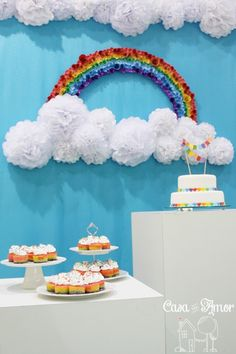 Rainbow party with beautiful ideas and lots of images! Birthday Room Decorations, Rainbow Decorations, School Decorations, Rainbow Birthday Party, Baby Boy 1st Birthday, Rainbow Theme, Festa Do My Little Pony, Christening Balloons, Diy And Crafts