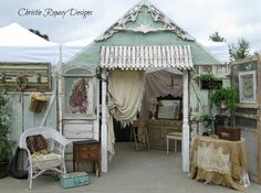 Welcome my SIL Christie to the June show! Vintage Booth Display, Antique Booth Displays, Antique Mall Booth, Antique Booth Ideas, Craft Booth Displays, Display Ideas, Craft Booths, Window Displays, Antique Shops