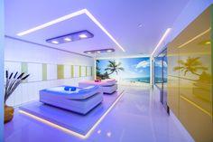 Ein guter Spadesigner versteht das gekonnte einsetzten vom emotionalem Lichtdesign Spa Design, Bauhaus, Ibiza Stil, Villa, Designer, Bathroom, Relaxing Room, Light Design, Swiming Pool