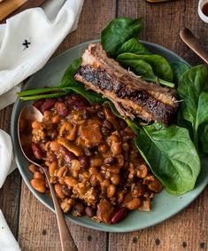 Slow Cooker Steakhouse Cowboy Baked Beans are a hearty mix of ground beef, bacon and three types of beans in a tangy, sweet and slightly spicy sauce. All You Need Is, Baked Bean Recipes, Beef Recipes, Salad Recipes, Chicken Recipes, Cowboy Baked Beans, Crockpot Veggies, Crock Pot Dips, Viva Mexico