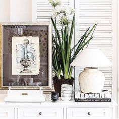 This hand crafted PICTURE STAND lends style to the perfect table-scape #shoponline in cricket white or dark mahogany #shipworldwide  #regram #bungalow55  #stuartmemberyfurniture #stuartmemberyhome